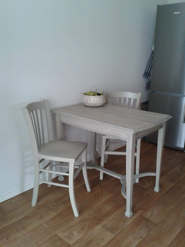 kleine-tafel-stoelen