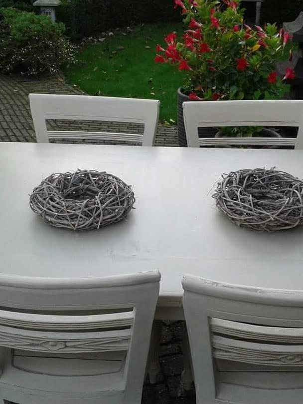 tafel-stoelen-wit
